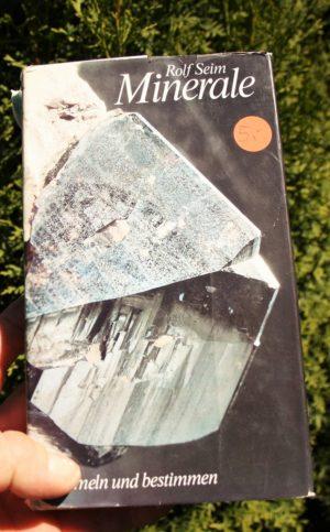 Mineralienbuch