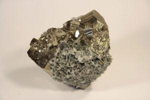 Pyrit mit Quarz und wenig Bleiglanz /Madan / Bulgarien